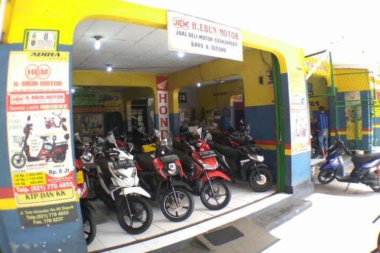 Diler motor bekas masih menjadi pilihan banyak orang untuk memiliki motor baru.