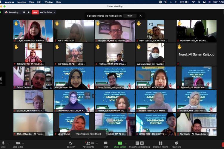 Jaringan Infradigital Nusantara (IDN) bersama Kantor Wilayah Kementerian Agama (Kanwil Kemenag) Provinsi Jawa Timur menggelar Anugerah Inovasi Madrasah Digital 2021 yang berlangsung secara daring.