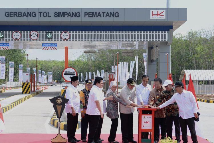 Jokowi Resmikan Ruas Tol Terpanjang di Indonesia