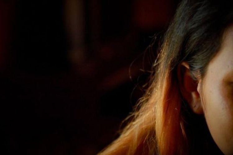 Perempuan asal Kalimantan Barat menjadi pengantin pesanan melalui perantaraan comblang.