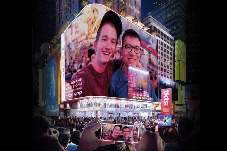 lLayar LED raksasa pada TSX Broadway