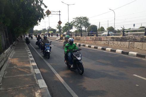 Panik Ada Razia Polisi, Pengendara Putar Balik dan Lawan Arus di Jalan I Gusti Ngurah Rai