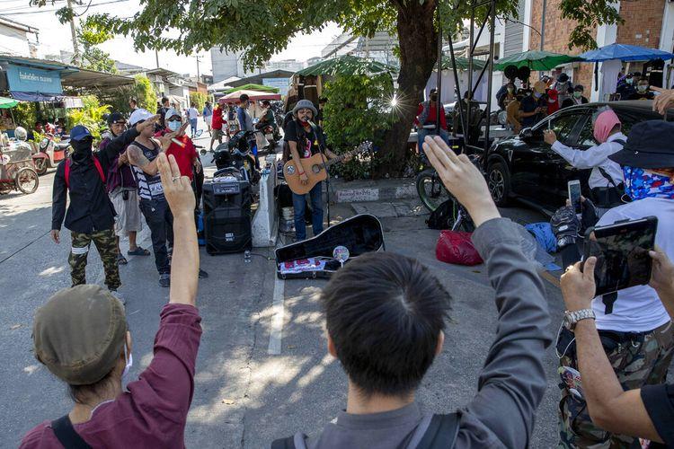Pemilihan umum tahun lalu di Thailand menuai tuduhan manipulasi, dan memicu protes pemuda selama berbulan-bulan.