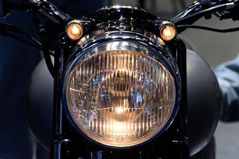 Mahasiswa Gugat Aturan Wajib Nyalakan Lampu Motor Siang Hari ke MK