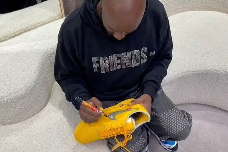 Nike x Off-White Air Force 1 Low Yellow