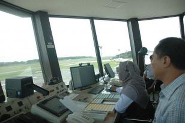 Ilustrasi petugas ATC