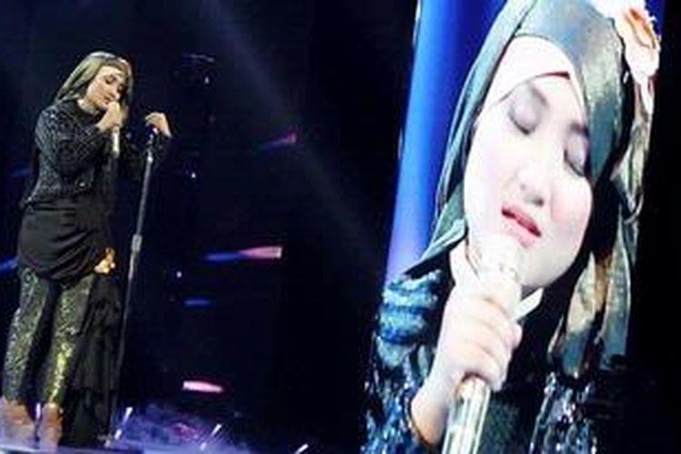 Finalis X Factor Indonesia Fatin Shidqia Lubis tampil dalam babak menjelang Grand Final X Factor Indonesia, di Studio 8 RCTI, Kebon Jeruk, Jakarta Barat, Jumat (17/5/2013) malam.