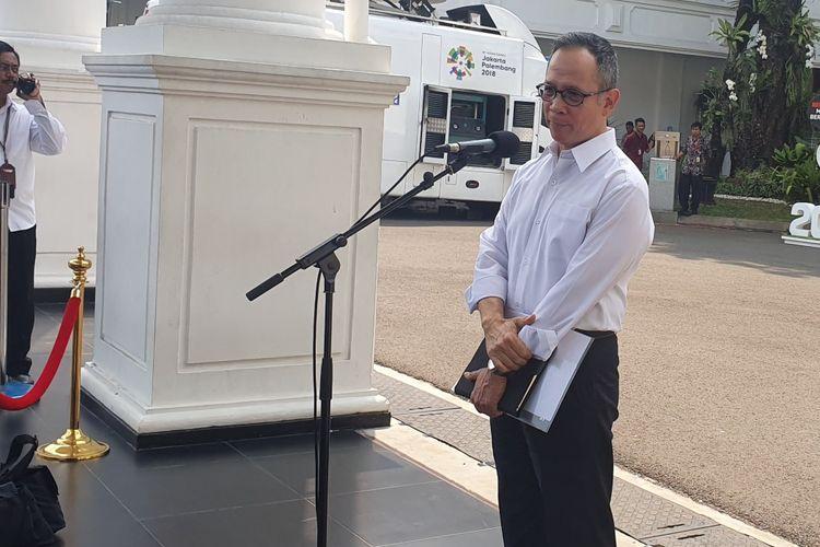 Duta Besar Indonesia untuk Amerika Serikat Mahendra Siregar ditunjuk sebagai Wakil Menteri Luar Negeri.