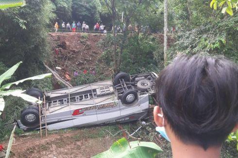 Isak Tangis Yayat, Putrinya Tewas dalam Kecelakaan Bus di Sumedang, Sempat Dilarang Berangkat, Kini Batal Nikah