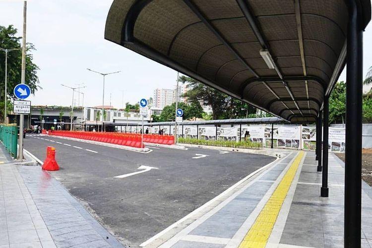 Halte dan kanopi dibangun Sarana Jaya di Stasiun Tanah Abang sudah rampung?. Foto diunggah Kamis (28/5/2020).