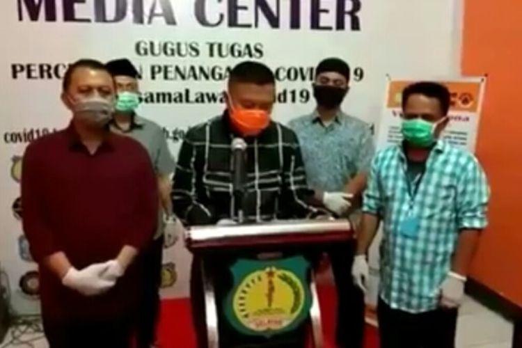 Bupati Kepulauan Selayar, Basli Ali mengkonfirmasi kasus pertama covid-19 yang pasiennya merupakan pemudik dari Kabupaten Gowa dan Kota Makassar.