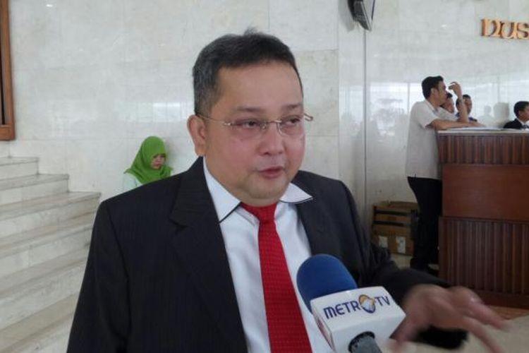 Wakil Ketua Komisi III dari Fraksi PDI Perjuangan, Trimedya Panjaitan di Kompleks Parlemen, Senayan, Jakarta, Rabu (12/10/2016)