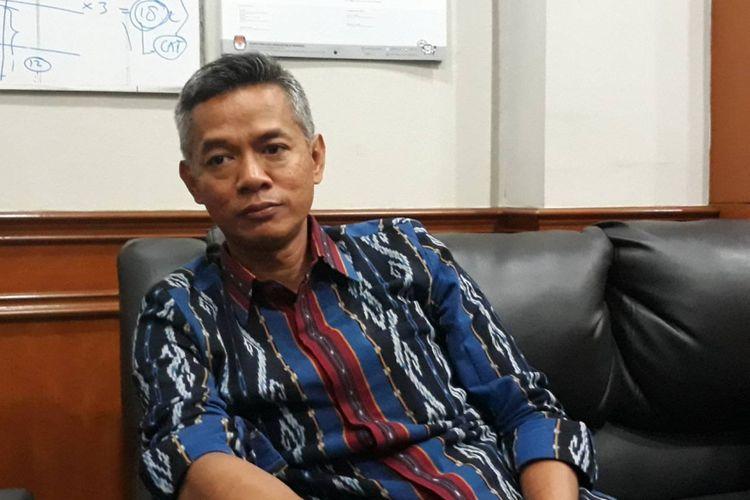 Komisioner KPU Wahyu Setiawan di kantor KPU, Menteng, Jakarta Pusat