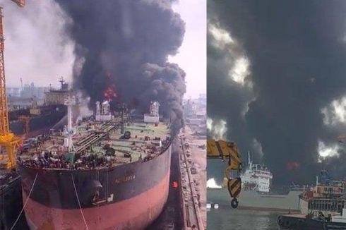Kapal Tanker Waruna Terbakar di Pelabuhan Belawan, 50 ABK Selamat