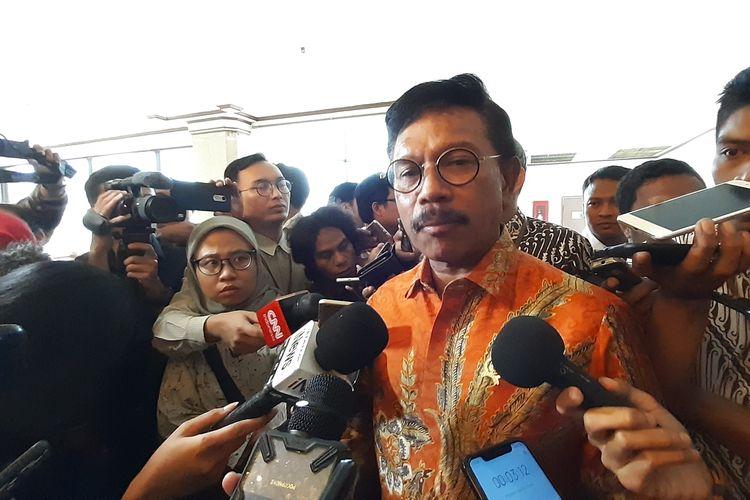 Menteri Komunikasi dan Informatika (Menkominfo) Johnny G Plate saat menghadiri penandatangan keputusan bersama 12 kementerian dan lembaga negara di Hotel Grand Sahid Jakarta, Selasa (12/11/2019).