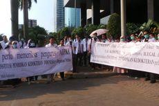 Demo di Depan KPK, Dokter Muda Protes Pungli Uji Kompetensi