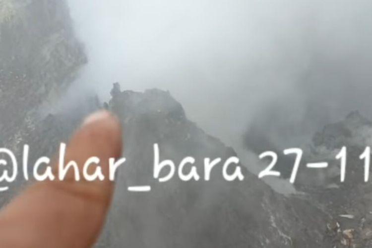 Tangkapan layar kondisi kawah Gunung Merapi yang diunggah di akun Instagram @laharbara.