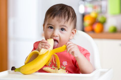 Waktu yang Tepat Perkenalkan Buah dalam Makanan Pendamping ASI