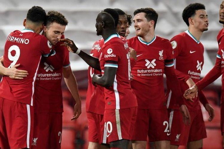 Skuad Liverpool saat merayakan gol ke gawang Leicester City pada laga lanjutan pekan kesembilan Liga Inggris musim 2020-2021 di Stadion Anfield, Senin (23/11/2020) dini hari WIB.