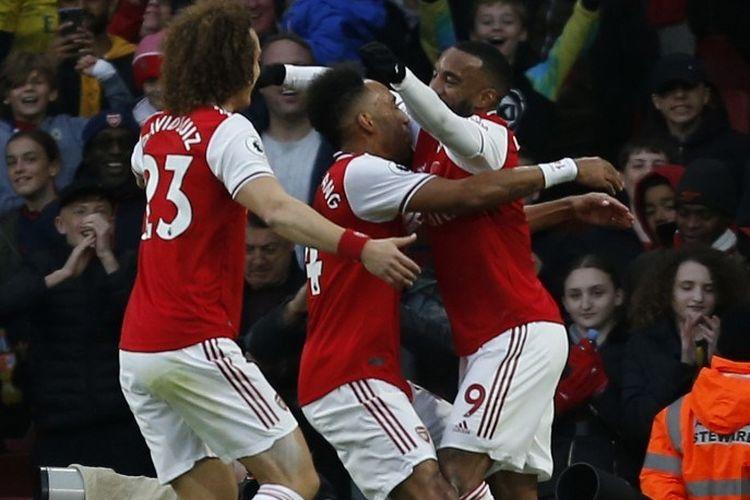 Pierre-Emerick Aubameyang merayakan golnya pada pertandingan Arsenal vs Wolverhampton Wanderers dalam lanjutan Liga Inggris di Stadion Emirates, 2 November 2019.