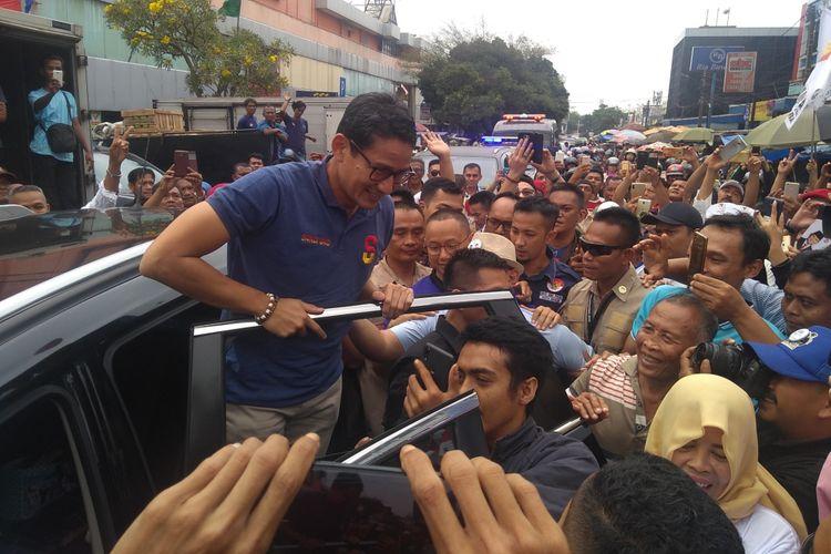 Calon Wakil Presiden Sandiaga Uno berkampanye di Pasar Anyar, Bogor, Jawa Barat, Kamis (8/11/2018).