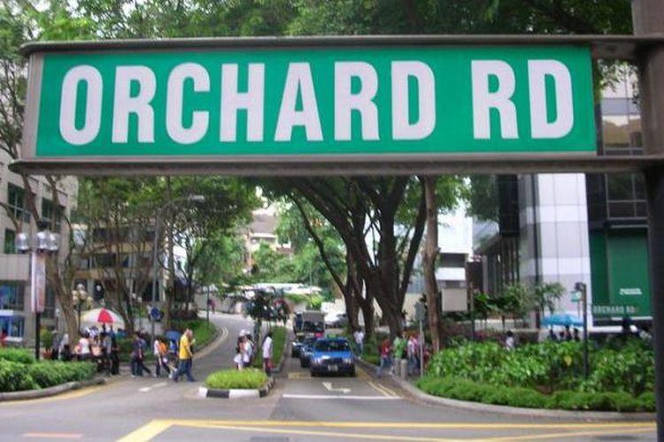 Orchard Road, kawasan perbelanjaan terkenal Singapura yang banyak dikunjungi para wisatawan manca negara termasuk Indonesia.