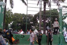 Ada Demo Mahasiswa di Depan Gedung DPR, Transjakarta Rute TU Gas-Grogol Dialihkan