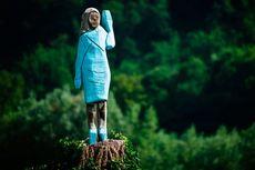 Dianggap Mirip Orang-orangan Sawah, Begini Wujud Patung Melania Trump di Slovenia