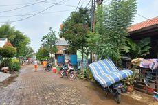 Banjir Surut, Warga Payung Mas Ciputat Mulai Bersihkan Rumah dan Kendaraan