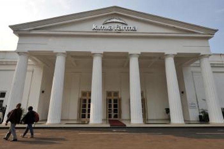 Gedung Kimia Farma di Jalan Budi Utomo, Jakarta Pusat, Senin (24/10/2016). Gedung Kimia Farma dulunya adalah rumah pemujaan yang dipakai Loji La Vertueuse. Gedung seluas 20x27 meter dirancang oleh insinyur belanda J Tromp yang juga Kepala Dinas Pekerjaan Umum dan Gedung-gedung Negeri.