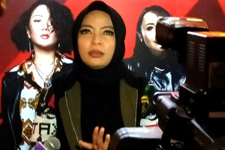 Vokalis band KotaK usai peresemian kolaborasi bandnya dengan Melly Mono yang mrnandakan dirinya cuti sementara dari posisi tersebut, Jumat (6/12/2019) di M Bloc Space, Jakarta Selatan