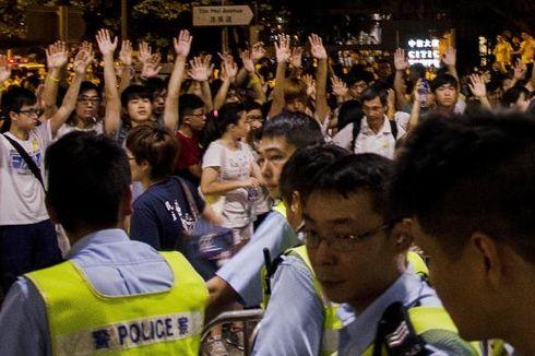 Tolak Penghapusan Pemilu Langsung, Pelajar Hongkong Bentrok dengan Polisi