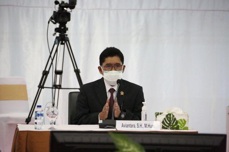Salah satu calon hakim agung 2021, Aviantara, yang saat ini menjabat sebagai Inspektur Wilayah I Badan Pengawasan Mahkamah Agung (MA), Selasa (3/8/2021) saat mengikuti tes wawancara terbuka dengan Komisi Yudisial.