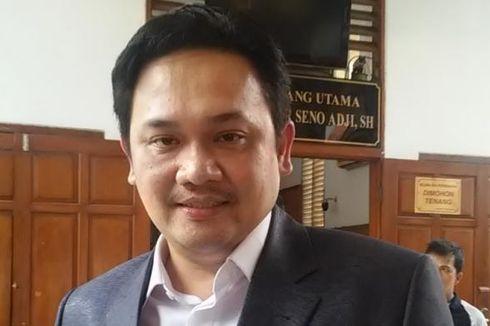 Farhat Abbas Merasa Senasib dengan Ahmad Dhani