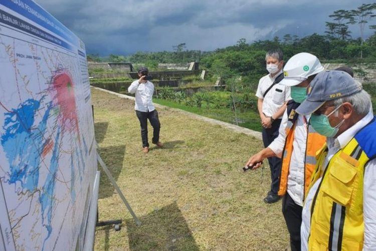 Menteri PUPR Basuki Hadimuljono dalam kunjungan kerjanya ke Provinsi Yogyakarta, saat meninjau Sabo Dam Kali Gendol, Kamis (4/2/2021).