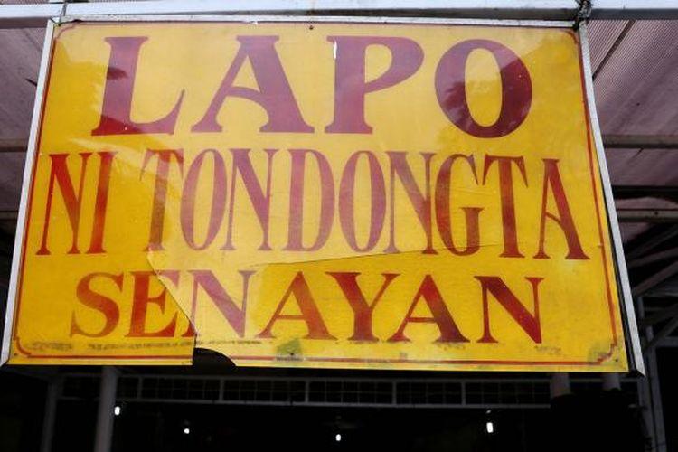 Suasana di kawasan sentra kuliner Lapo Senayan di jalan Lapangan Tembak, Senayan, Jakarta, Rabu (18/1/2017). Kawasan ini direncanakan akan ditutup per 28 Februari 2016 untuk dibangun fasilitas penunjang kegiatan Asian Games yang akan dilaksanakan di Gelora Bung Karno (GBK) pada tahun 2018.