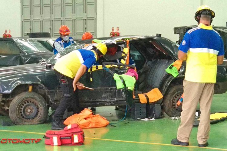 Rongsokan Mercy jadi bahan lomba evakuasi Jasa Marga