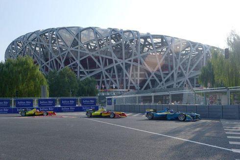 Sempat Melarang, Setneg Kini Mengizinkan Formula E di Kawasan Monas