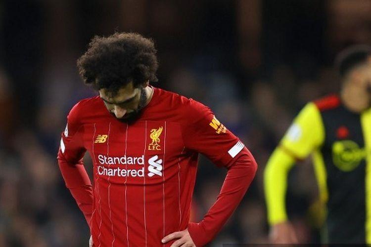 Mohamed Salah tertunduk dalam laga Watford vs Liverpool pada pekan ke-28 Liga Inggris 2019-2020.