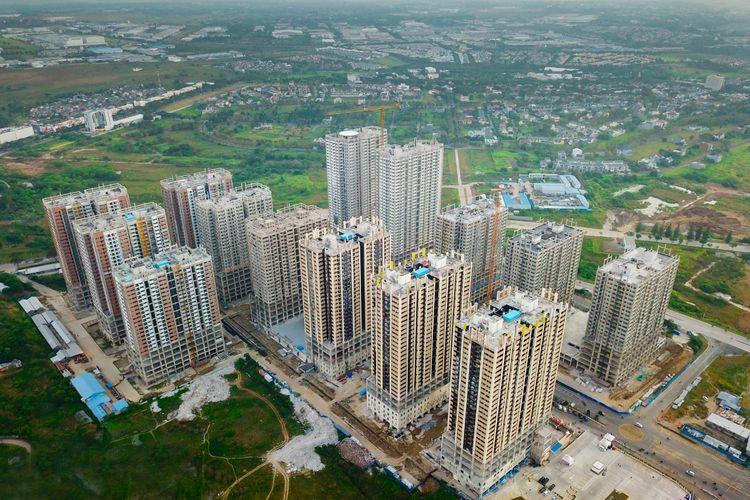 Menara-menara Meikarta yang telah mencapai tahap topping off