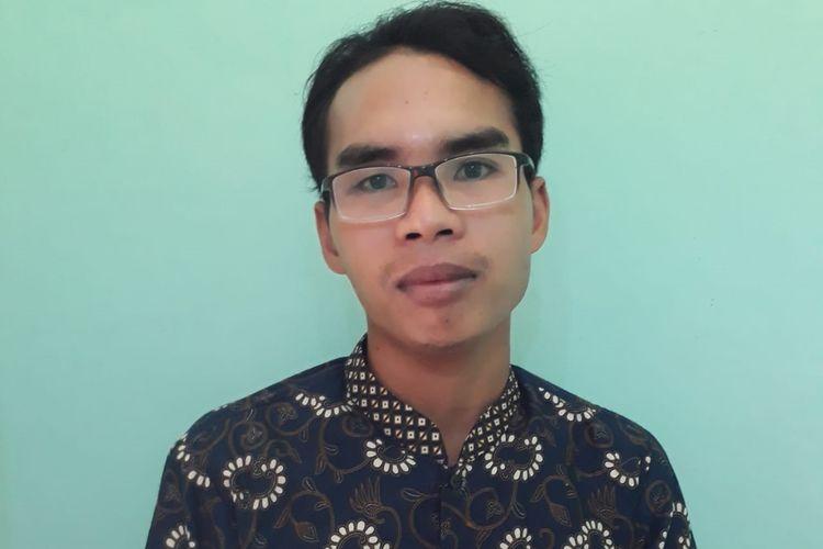 Kasri guru Agama di SDN 4 Desa Anggaraksa, Kecamatan Pringgabaya, Lombok Timur.