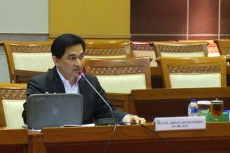 Politisi PPP Dimyati Natakusuma saat mengikui uji kelayakan dan uji kepatutan calon hakim konstitusi di ruang rapat Komisi III DPR, Gedung Parlemen, Jakarta, Senin (3/3/2014).