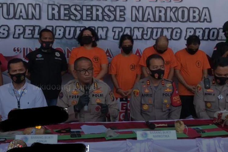 Konferensi pers penangkapan anggota band J-Rocks yang terlibat kasus penyalahgunaan narkoba jenis ganja di Polres Pelabuhan Tanjung Priok, Jakarta, Sabtu (22/8/2020)