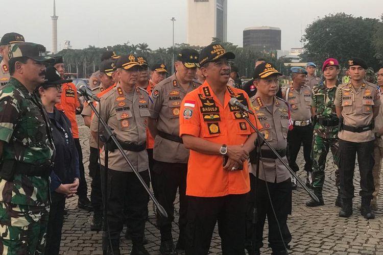Kepala Badan SAR Nasional (Basarnas) Marsekal Madya Bagus Puruhito saat menghadiri apel gelar pasukan Operasi Ketupat 2019 di Lapangan Silang Monas, Jakarta Pusat, Selasa (28/5/2019).