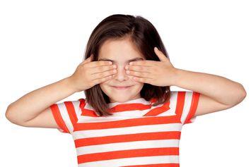 Mengapa Kita Bisa Melihat Banyak Warna Saat Memejamkan Mata?