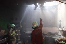 Gas Bocor, Rumah Makan di Pasar Rebo Terbakar