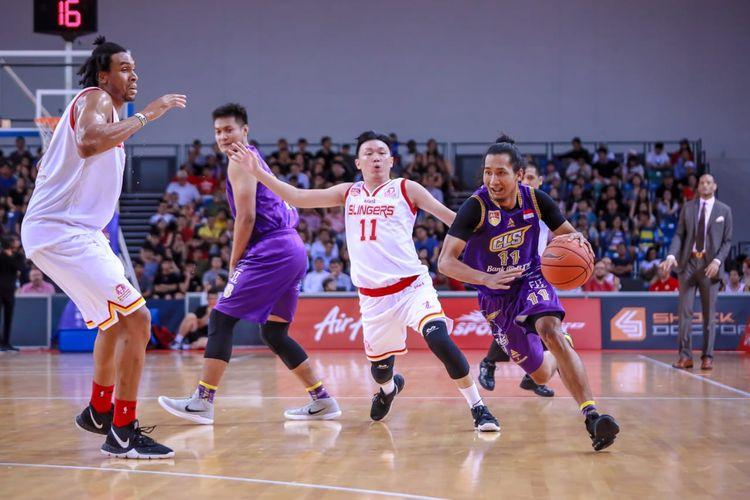 BTN CLS Knights bertanding melawan Singapore Slingers pada final ABL 2018-2019 di OCBC Arena, Jumat (3/5/2019).