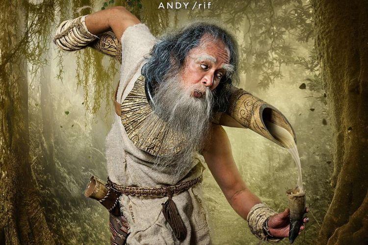 Andy /rif berperan sebagai Dewa Tuak dalam Wiro Sableng 212