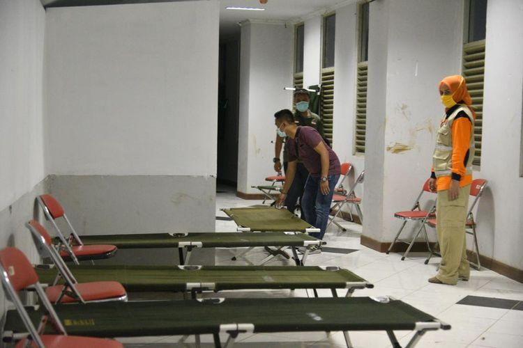 Tempat isolasi yang disediakan Pemkab  Jember di Jember Sport Garden bagi warga yang mudik di tengah pandemi corona