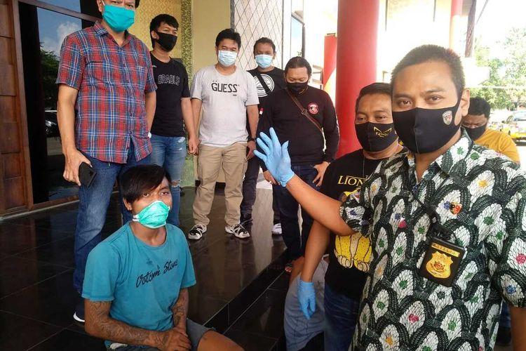 Kasat Reskrim Polrestabes Palembang AKBP Nuryono saat melakukan gelar perkara terkait aksi begal yang dilakukan oleh Yogy Firnando (23), Jumat (7/8/2020).